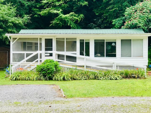 """Newly Listed! """"The Lazy River"""" Riverfront  Home"""