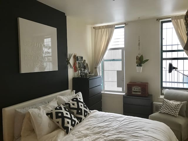 Javits center 1 bedroom