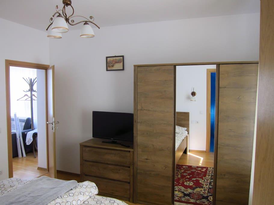 Alexandra Bedroom or no#1
