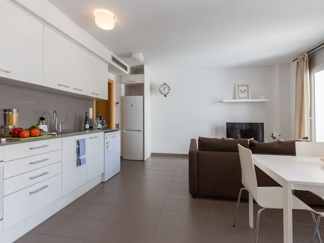 Lovely 2 Bedroom apartment 413