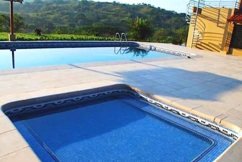Beautiful country house with pool, Turrucares, Alajuela