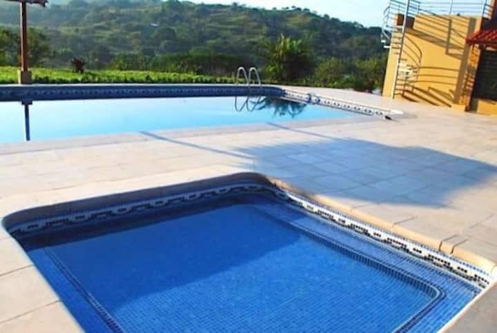 Hermosa quinta con piscina, Turrucares, Alajuela