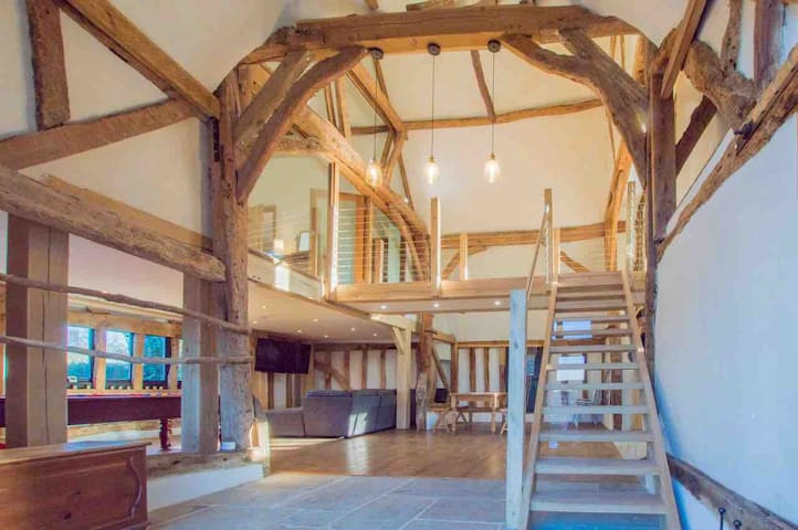 Detached and Spacious Boutique Barn Conversion
