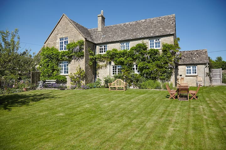 No.3 Merriscourt in the Cotswolds