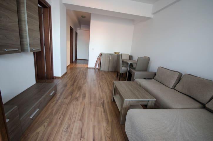 Summerland apartment, 50m from beach&best clubs