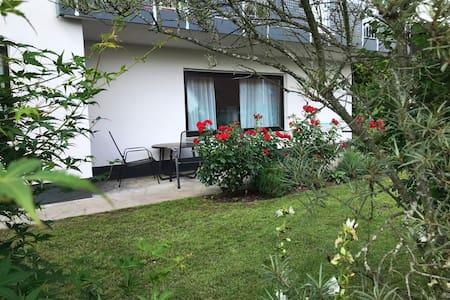 Großzügige Wohnung mit eigener Terrasse
