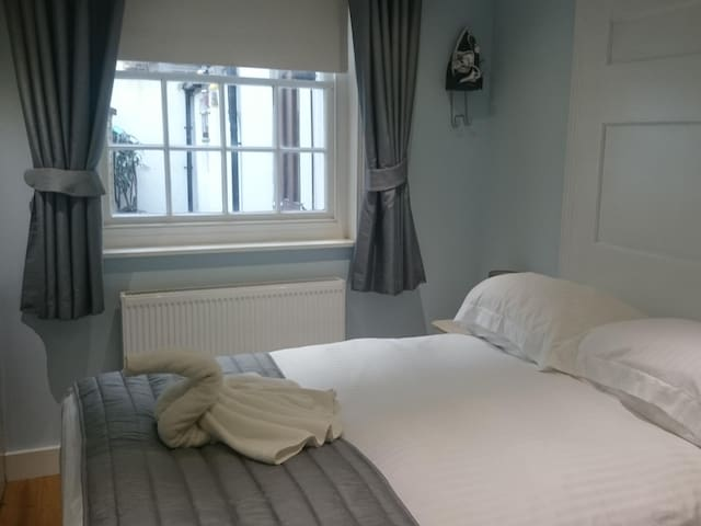 Double Room 2 at Churchill Guest House