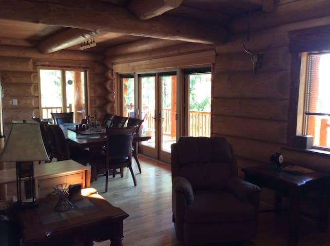 Beautiful Private Mountain Log House - Osoyoos - Naturhytte