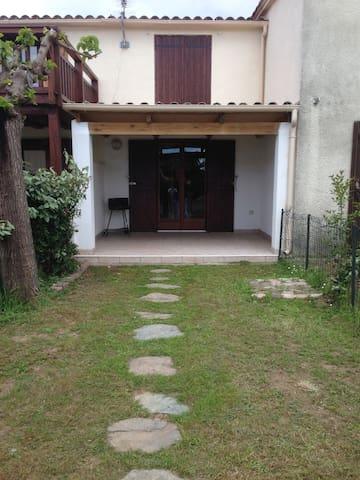 maison t3 en bord de plage - Poggio-Mezzana - บ้าน
