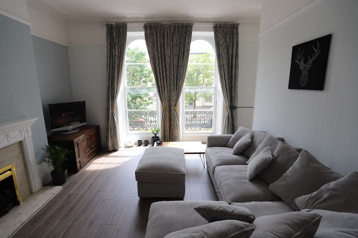 Regency apartment in central Cheltenham