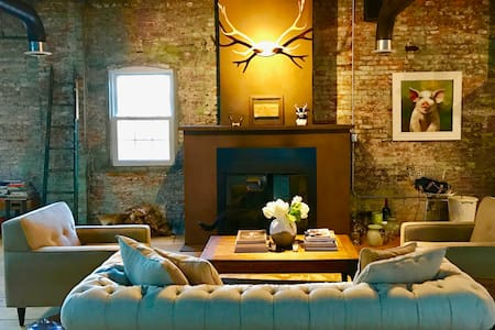 STUNNING NYC-style loft in downtown Albany.
