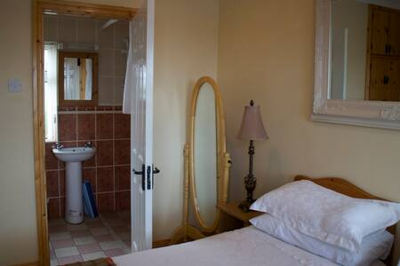 Twin Bed Apartment - Laois