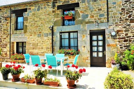 Le Soleil Cottage nr Mont St Michel