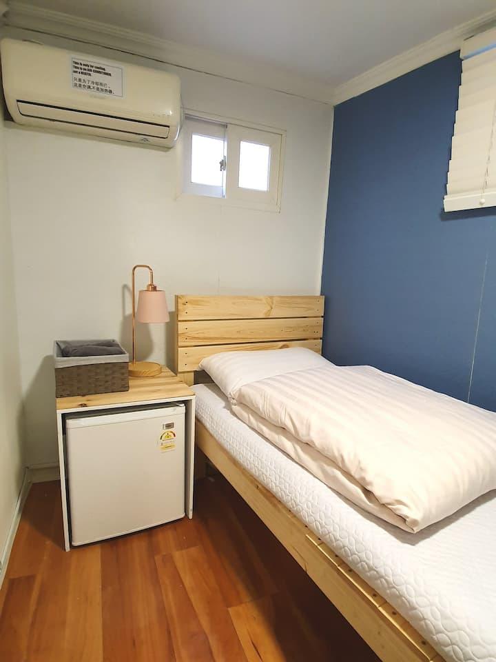 동대문역 도보 1분 & 개인욕실 미니 싱글룸 Dongdaemun STN 1min away