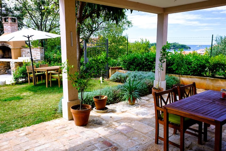 Room with garden and seaview in center - Rovinj - Haus