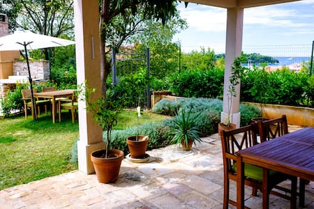 Room with garden and seaview in center - Rovinj