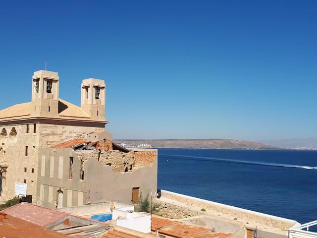 CASA EN ISLA DE TABARCA (ZONA PUERTO VIEJO)