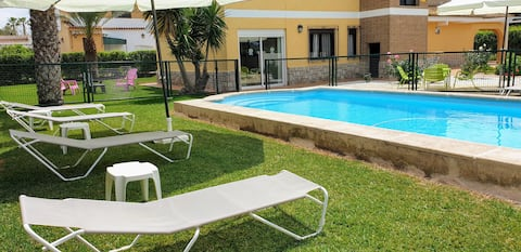 Casa perto da cidade de Valência e da praia.