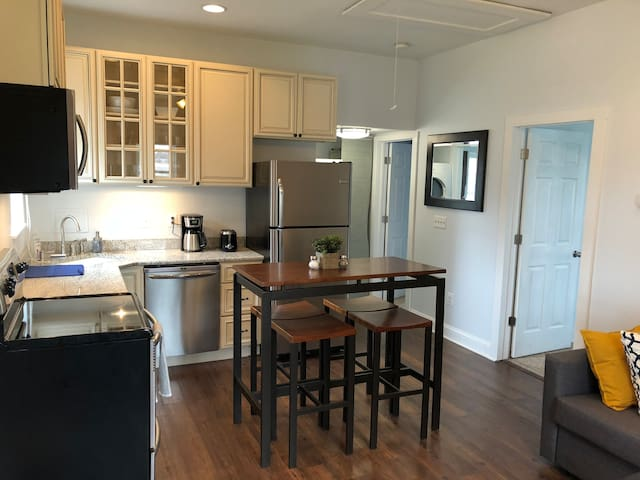 Annapolis Guesthouse - Completely Separate Space