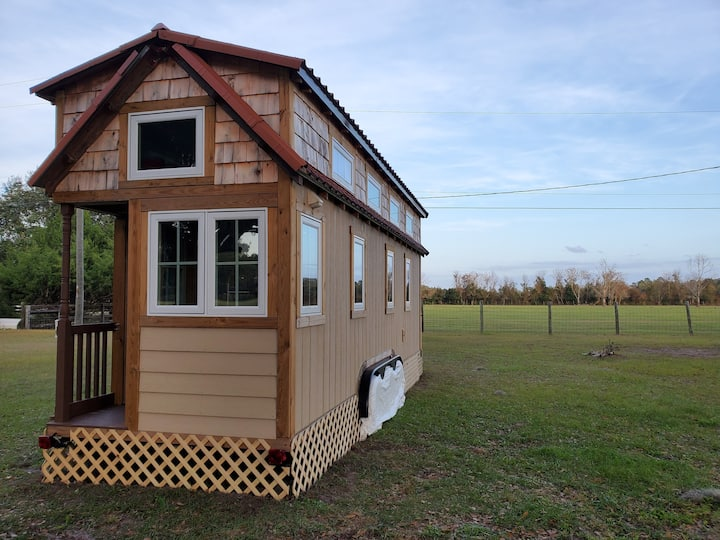 Country Farm Tiny House Cabin