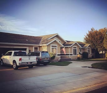 Beautiful and Convenient Riverton Home