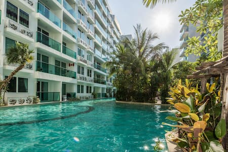 Pool View 1 BR in Amazon Residences - Apartemen