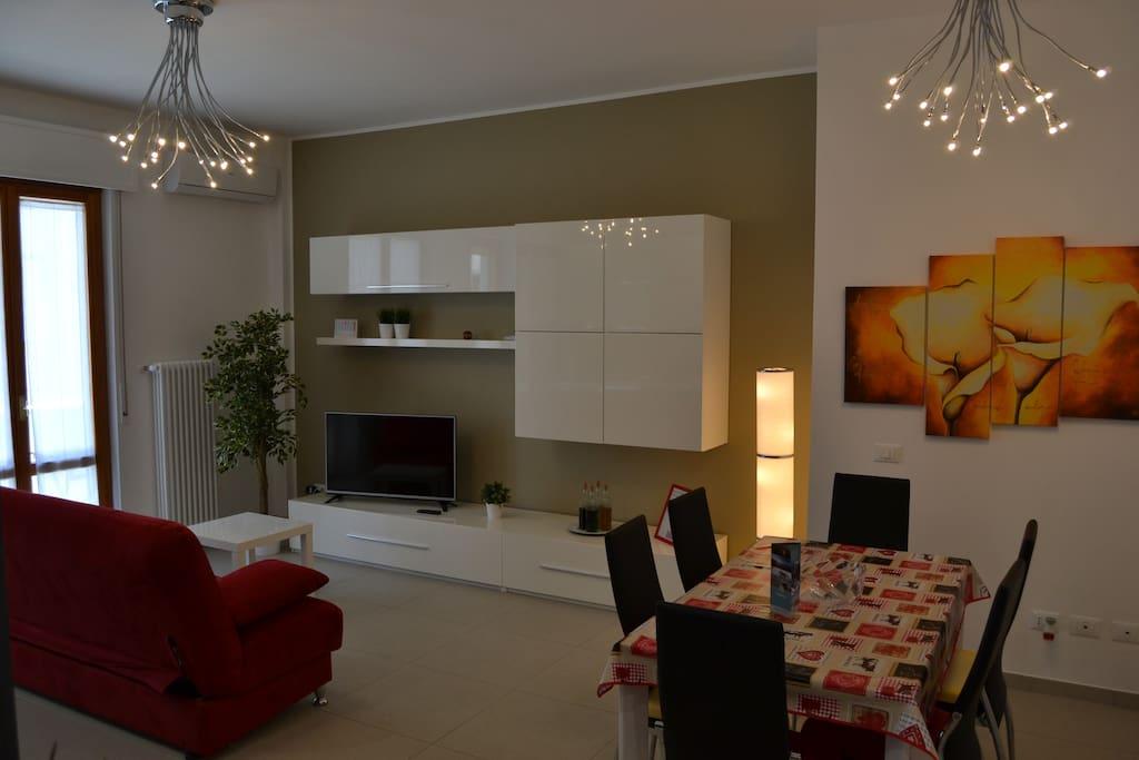 Living room with double sofa bed/Soggiorno con divanoletto matrimoniale