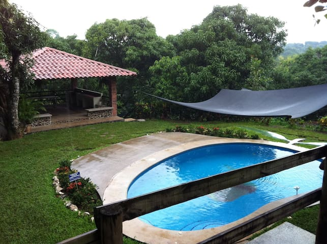 Quinta with great view and nature, close to beach