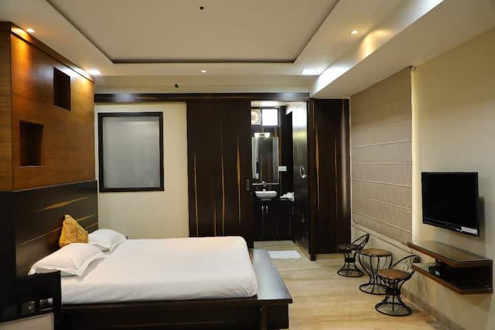 Jaipur Vacation-Stay Studio Penthouse:2- ORO