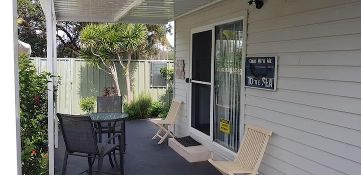 *Mermaid*Tiny House near 2 beaches, Barrack Hights
