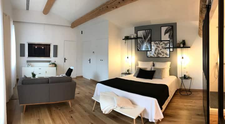 2 Chambres d'Hôtes de charme au cœur du Luberon(I)