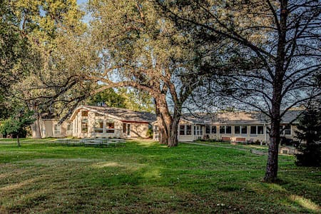 25 Acres of Serene Lodging in the Country w/ lake