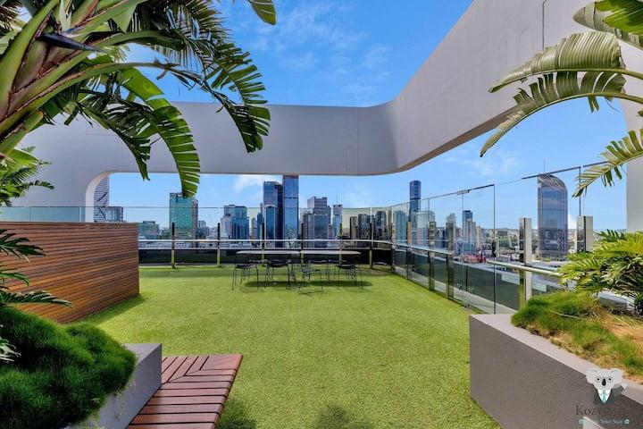 KOZYGURU | South Brisbane | Kozy Home Feel | 1 Bed + Free Parking | Art House