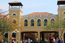 Mercado Municipal localizado a 500m do apartamento.