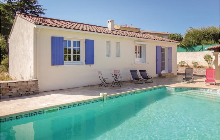 Holiday cottage with 2 bedrooms on 88m² in Montagnac