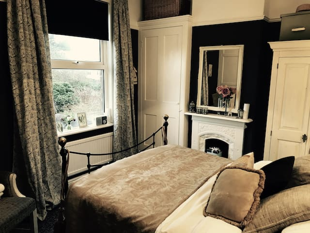 Beautiful room in period Victorian house