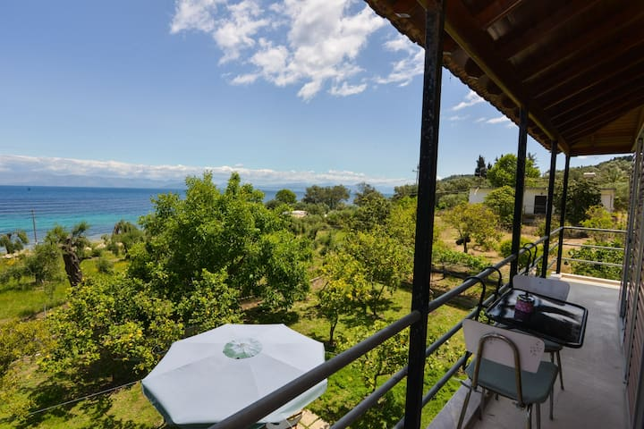 See Corfu Relaxing house with garden and sea view - Mpoukaris