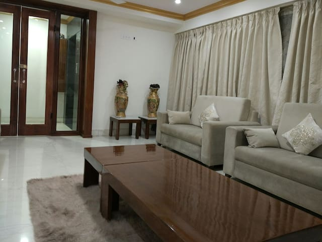 Private executive hospitality - Delhi - Apartment