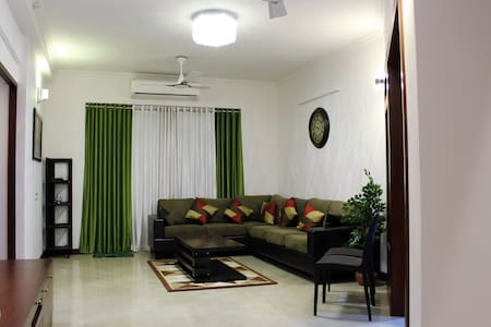 Mathew's place - A Luxurious A/C apartment - Thiruvananthapuram - Wohnung