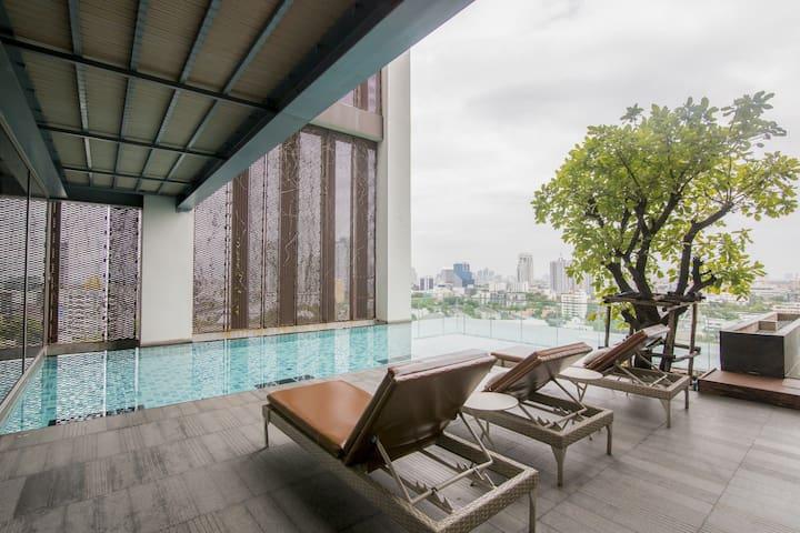 Designer 2-story Loft in Super Trendy Thonglor BKK