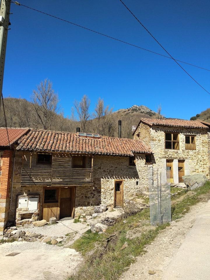 Casa Adela  en las montañas de León