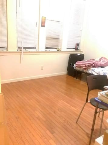 Shared accomodation for 1 girl - Jersey City - Huis