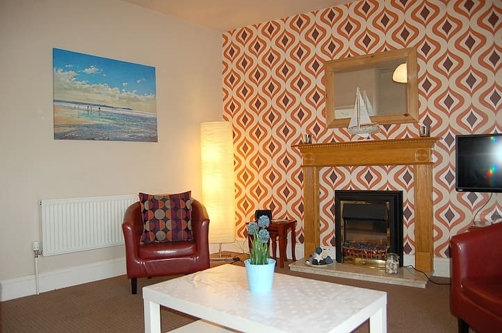 SaltMarsh Apartment Coastal Retreat - Tywyn - Lakás