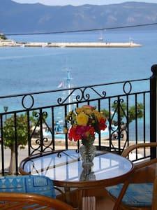 Santafemia_ apartment by the sea - Ferentinata