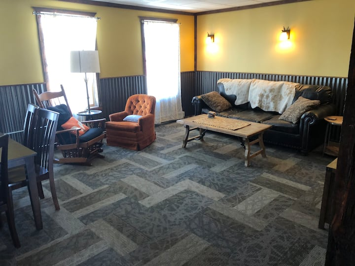 Castle View Loft in Downtown White Sulphur Springs