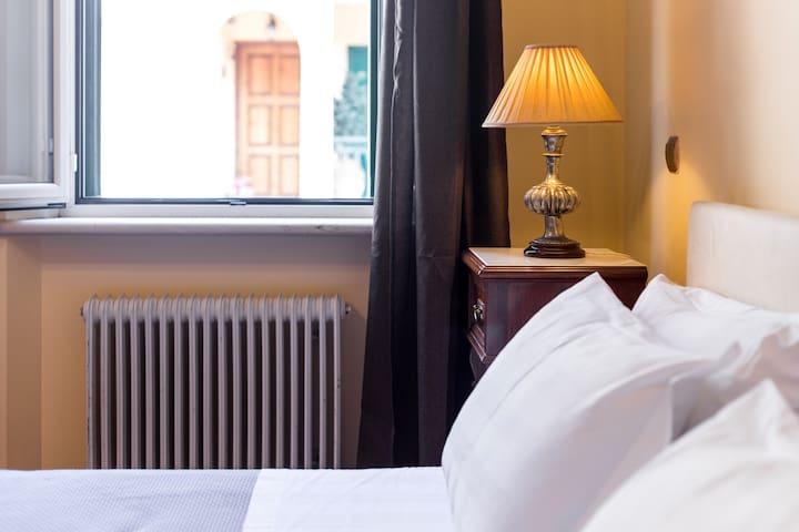 """Moraitis Mansion""- One bedroom-Apartment"