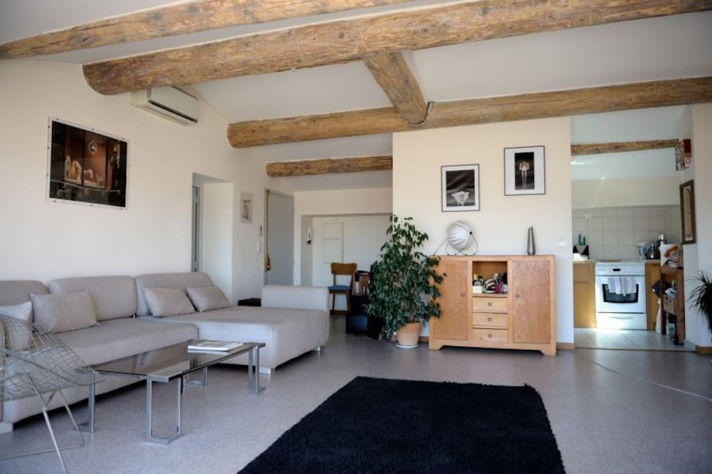 Appartement t3 avec terrasse apartments for rent in for Appartement marseille avec terrasse