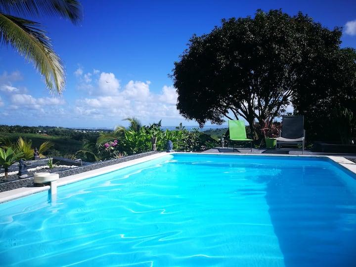 Villa piscine, vue mer, esprit zen