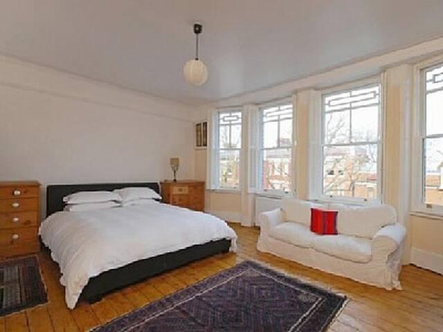 Lovely apartment in London's Kew Village - リッチモンド - アパート