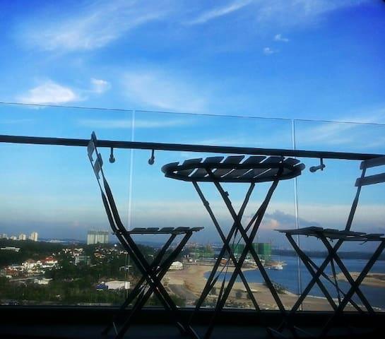 Studio@DangaBay-SeaView-BalconyWIFI